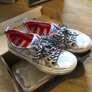 Bobs Brand New Dr. Suess Cat Hat Tennis Shoes NEW